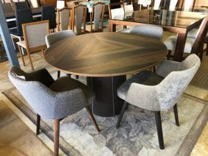 SM33 Dining Table
