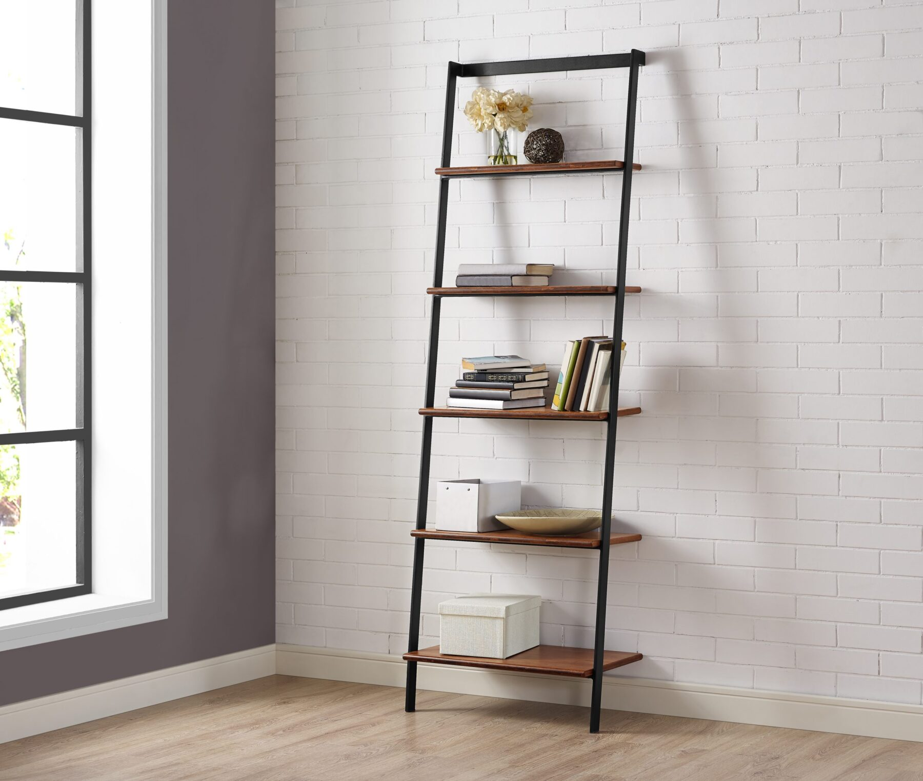 GS003E Leaning Shelf Lifestyle