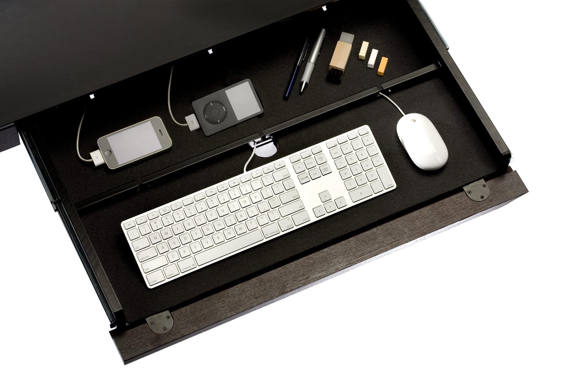 sequel-6001-keyboard-drawer-detail-1